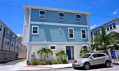 Building, 813 Burlington Ave N, 1