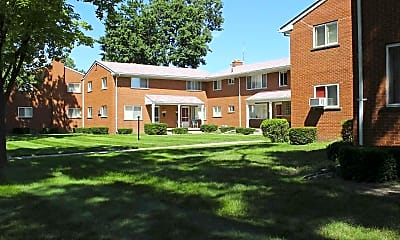 Building, Oak Park Gardens, 1
