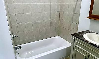 Bathroom, 107 Scribner Ave, 2