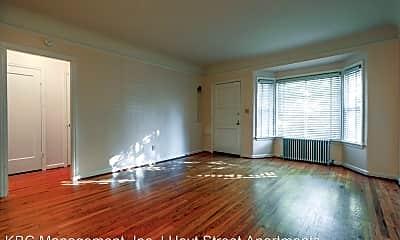 Living Room, 4405-4527 NE Hoyt St, 0