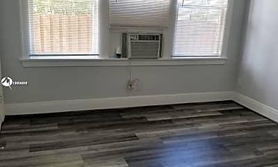 Living Room, 1521 SE 2nd Ct 1-8, 2