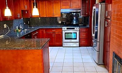 Kitchen, 1127 Palamos Ave, 1