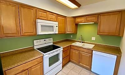 Kitchen, 35 Evergreen St, 1