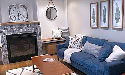 Living Room, 3400 Youngs Ave, 1