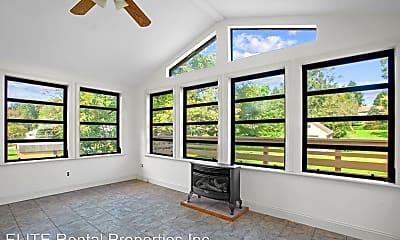 Living Room, 2644 Mill Rd, 2