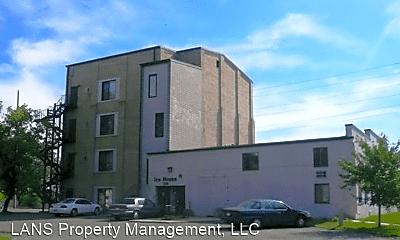 Building, 108 3rd Ave NE, 0