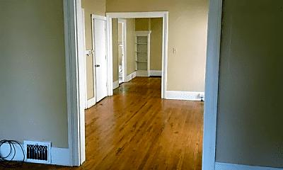 Bedroom, 524 Gifford St, 1