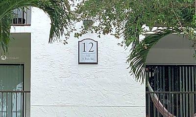 Community Signage, 520 S Park Rd 15-12, 1