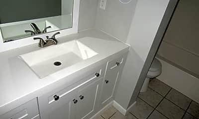 Bathroom, 2917 Ormond Ave, 2