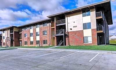 Building, Cedarbrooke Place Apartments, 0
