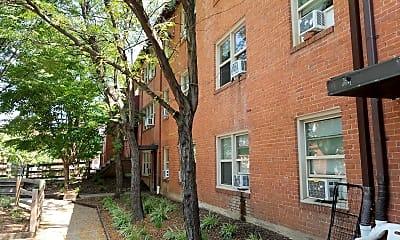 Carroll Apartments, 2
