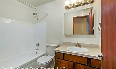 Bathroom, 11541 Greenwood Ave N, 2