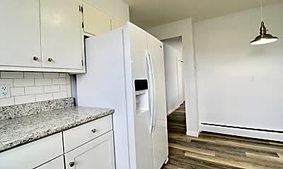 Kitchen, 945 Chestnut Ridge Rd, 2
