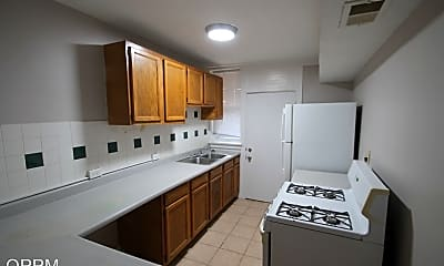 Kitchen, 911 Forest Ave, 0
