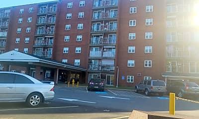 Thomas Campbell North Apartments, 2