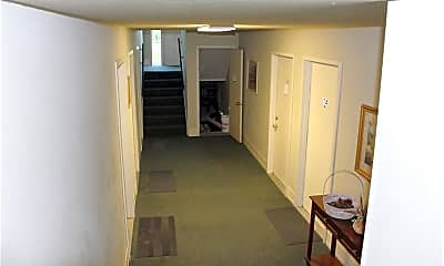 Building, 200 Fernwood Rd, 1