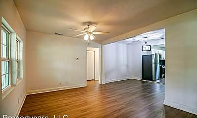 Living Room, 5010 Kenilwood Dr, 1