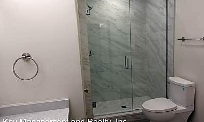 Bathroom, 809 N Franklin St, 1