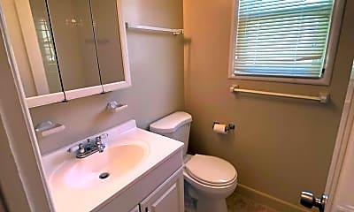 Bathroom, 1141 Noel Dr, 2