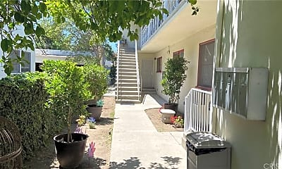 4949 Coldwater Canyon Ave 1, 1