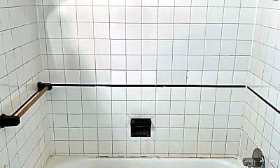 Bathroom, 522 W Ormsby Ave, 2