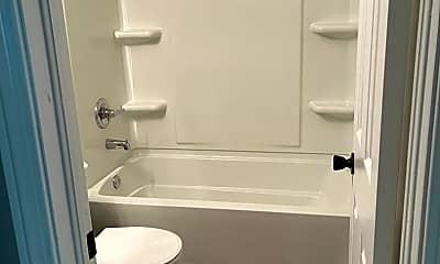 Bathroom, 2532 S Greenwood St, 2