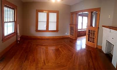 Living Room, 105 S Barnes St, 1