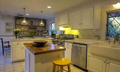 Kitchen, 38 Strawberry Ridge Rd, 1