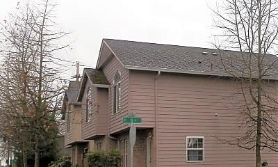 Building, 703 E 39th St, 2