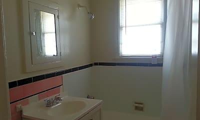 Bathroom, 603 S Cochran Ave, 2