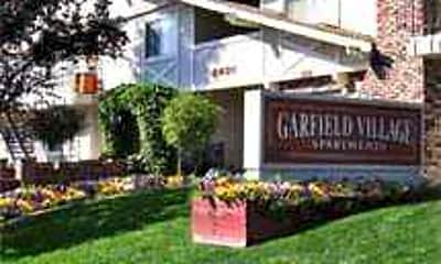 Garfield Village, 0