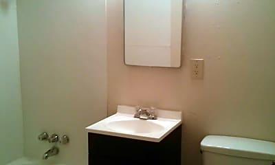Bathroom, 1806 E 4th Plain Blvd, 2