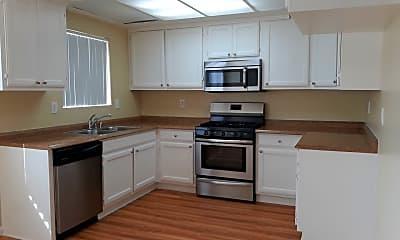 Kitchen, 3108 Vineland Ave, 0