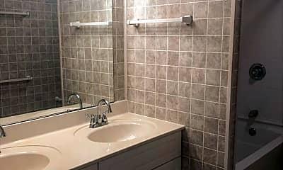 Bathroom, 3104 Floyd Dr, 2