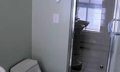 Bathroom, 75 Franklin St, 2
