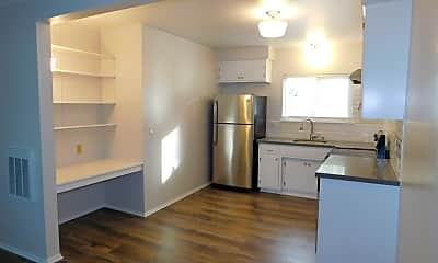 Kitchen, 3930 Via Lucero, 1