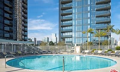 Pool, 1200 S Figueroa St E2013, 1
