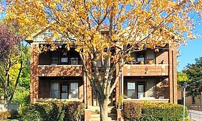 Building, 135 E Drayton St, 0