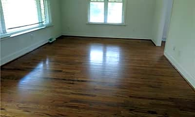 Living Room, 607 Fort Mill Hwy, 1