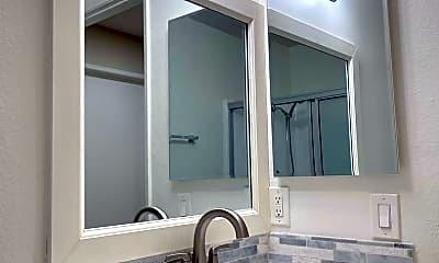 Bathroom, 411 S Berendo St, 1