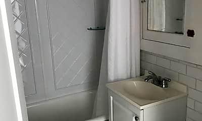 Bathroom, 405 E 6th St, 1