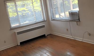 Living Room, 5105 Paddock Rd, 1
