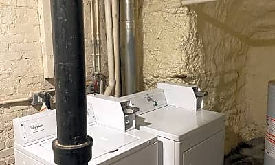 Bathroom, 7 Ashland St, 2