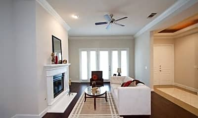 Living Room, 2820 McKinnon St, 0