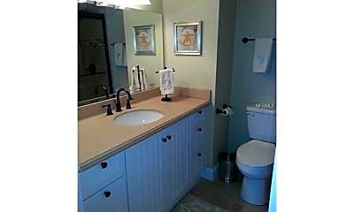 Bathroom, 880 Mandalay Ave S501, 2