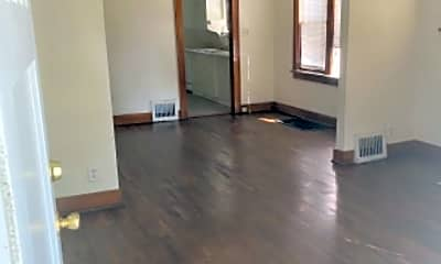Patio / Deck, 228 N Edwards, 2