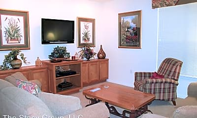 Living Room, 118 Larkspur Ln, 1