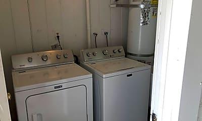 Kitchen, 4133 N Longview Ave 2, 2