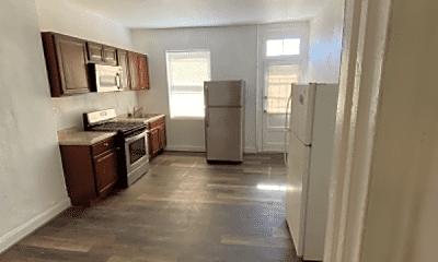 Living Room, 2529 W Lombard St, 1