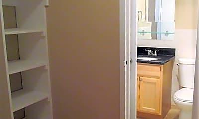 Bathroom, 1301 S Arlington Ridge Rd, 2